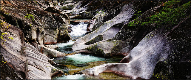 Las mejores piscinas naturales de espa a felices vacaciones for Termas naturales cerca de madrid