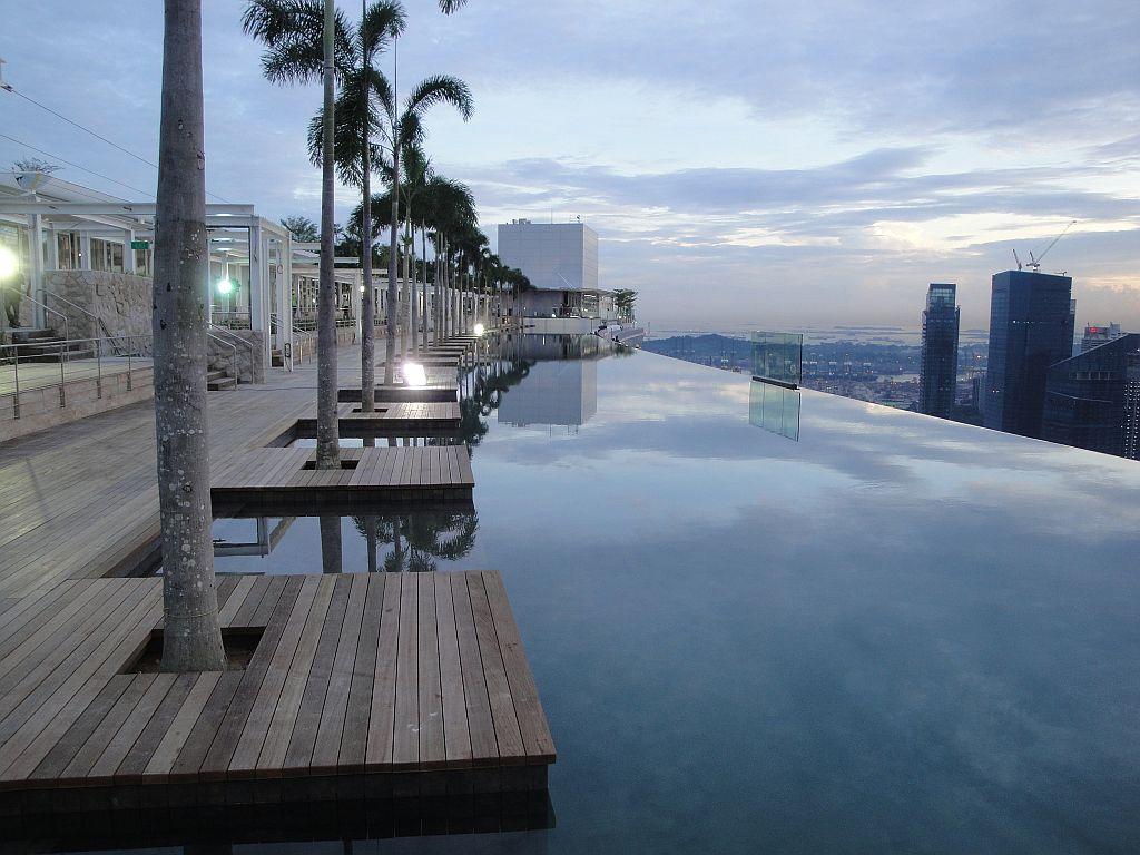 Las 10 mejores piscinas del mundo felices vacaciones for Singapour marina bay sands piscine