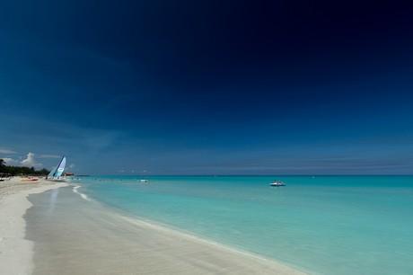 Las aguas color turquesa de Varadero hacen las playas de Cuba maravillosas