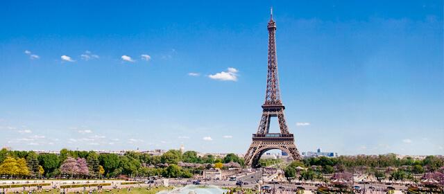 la torre Eiffel y las Actividades o festivales en Paris durante el verano