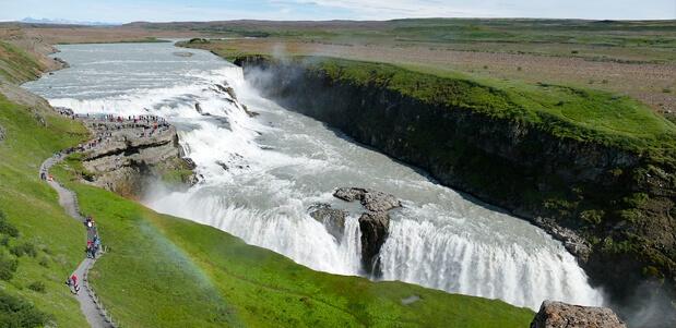 En Islandia una de las cataratas más visitada por turistas es la de Gullfoss en la región de Selfoss