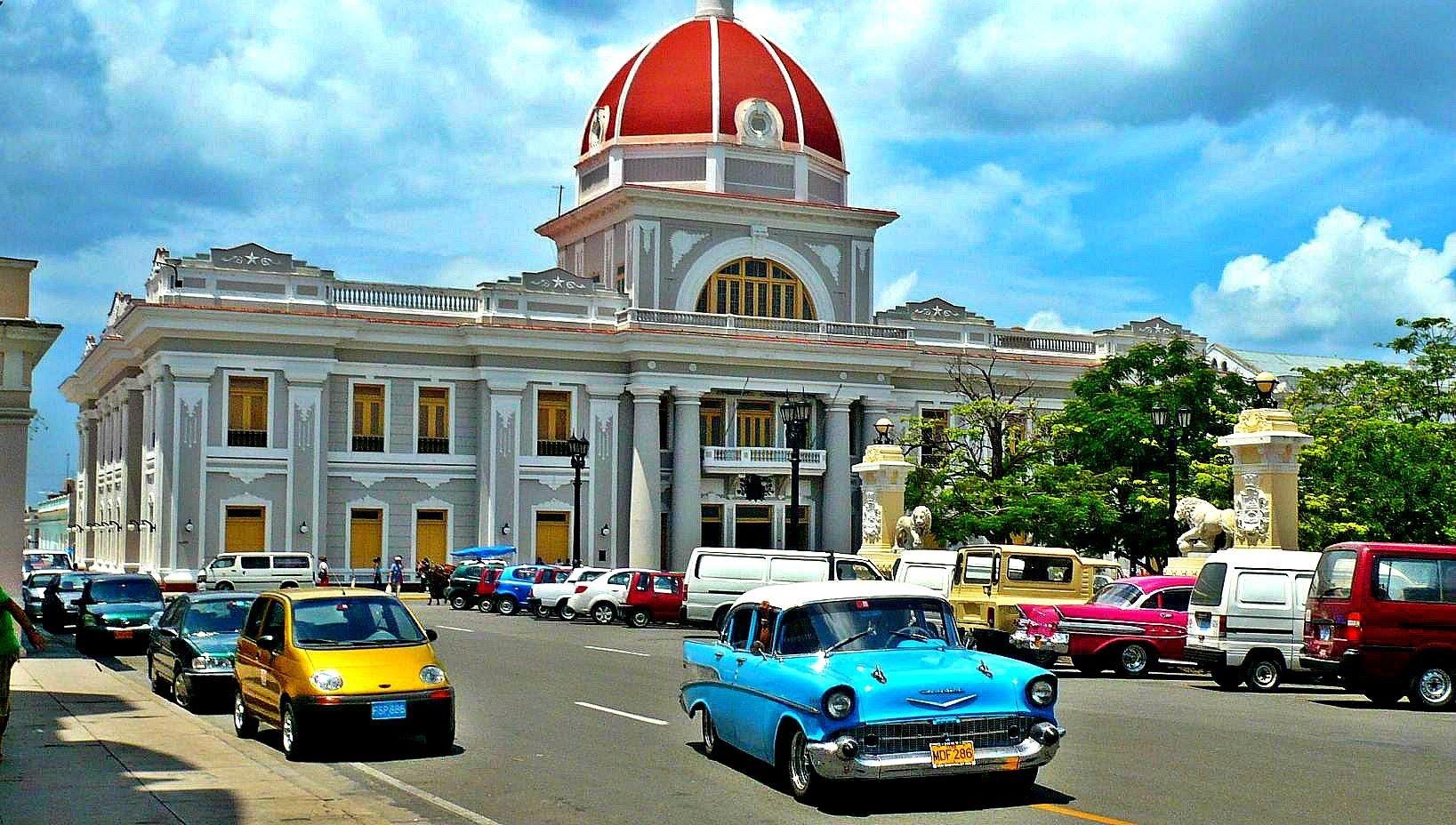 Circuito por Cuba Cienfuegos